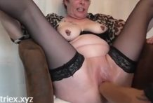 Mature german woman cums from hard  fisting
